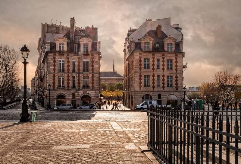 The city of Paris has notable examples of great architecture